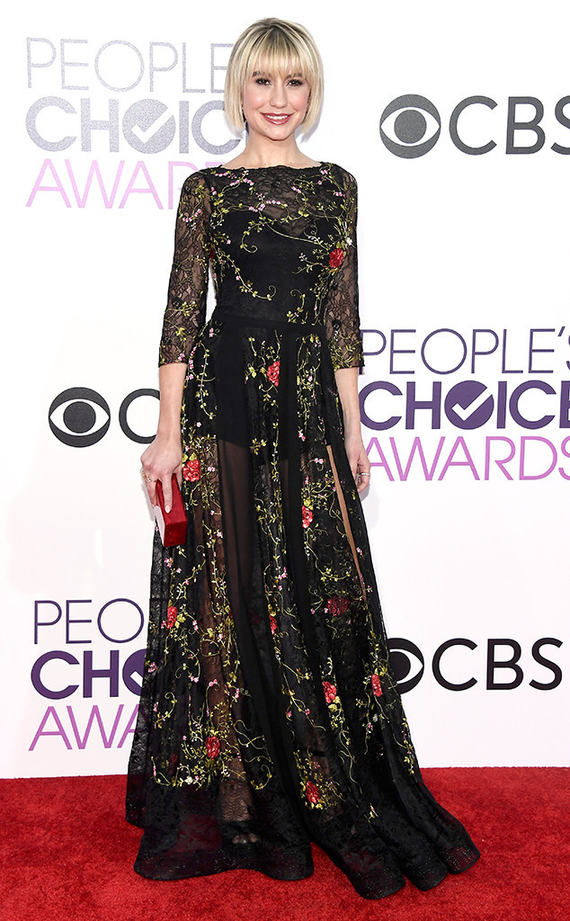 rs_634x1024-170118173105-rs_634x1024-170118164006-634-chelsea-kane-peoples-choice-awards-2017
