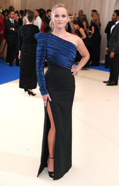 Mandatory Credit: Photo by David Fisher/REX/Shutterstock (8770824hb) Reese Witherspoon The Costume Institute Benefit celebrating the opening of Rei Kawakubo/Comme des Garcons: Art of the In-Between, Arrivals, The Metropolitan Museum of Art, New York, USA - 01 May 2017