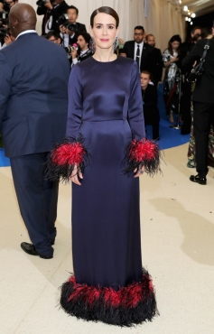 """NEW YORK, NY - MAY 01: Sarah Paulson attends the """"Rei Kawakubo/Comme des Garcons: Art Of The In-Between"""" Costume Institute Gala at Metropolitan Museum of Art on May 1, 2017 in New York City. (Photo by Neilson Barnard/Getty Images)"""