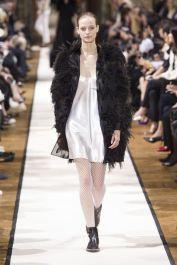 hbz-fw207-trends-feathers-05-lanvin-rf17-0387